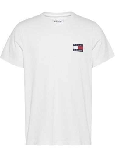 Tommy Hilfiger Erkek Tjm Tommy Jeans Badge Tişört DM0DM06595 Beyaz
